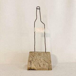 Bottle mixed media 11 x 34 cm #mixedmediaart #mixedmediaartwork #bottleart #artbottle #artobject #foundmaterials #trashart #object #collageart #collageartwork #zeitgenössischekunst