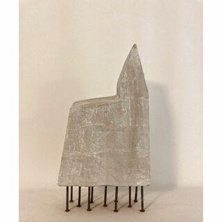 Polehouse/paalhuis, mixed media, 38 x 20 x 10 cm. #mixedmediasculpture #mixedmedia #mixedmediaart #dutchartist #polehouse #artgallery #zeitgenössischekunst #artemoderna #modernart #hedendaagsekunst #sculptuur #kunstobject